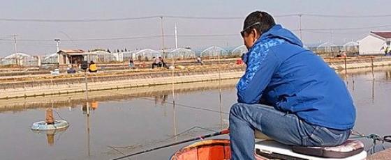 冬季钓鱼人要勤快